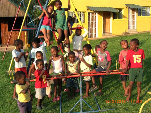 Sandra Lee Centre Children